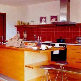 Factores simples para decorar cocinas - Cocina en madera natural