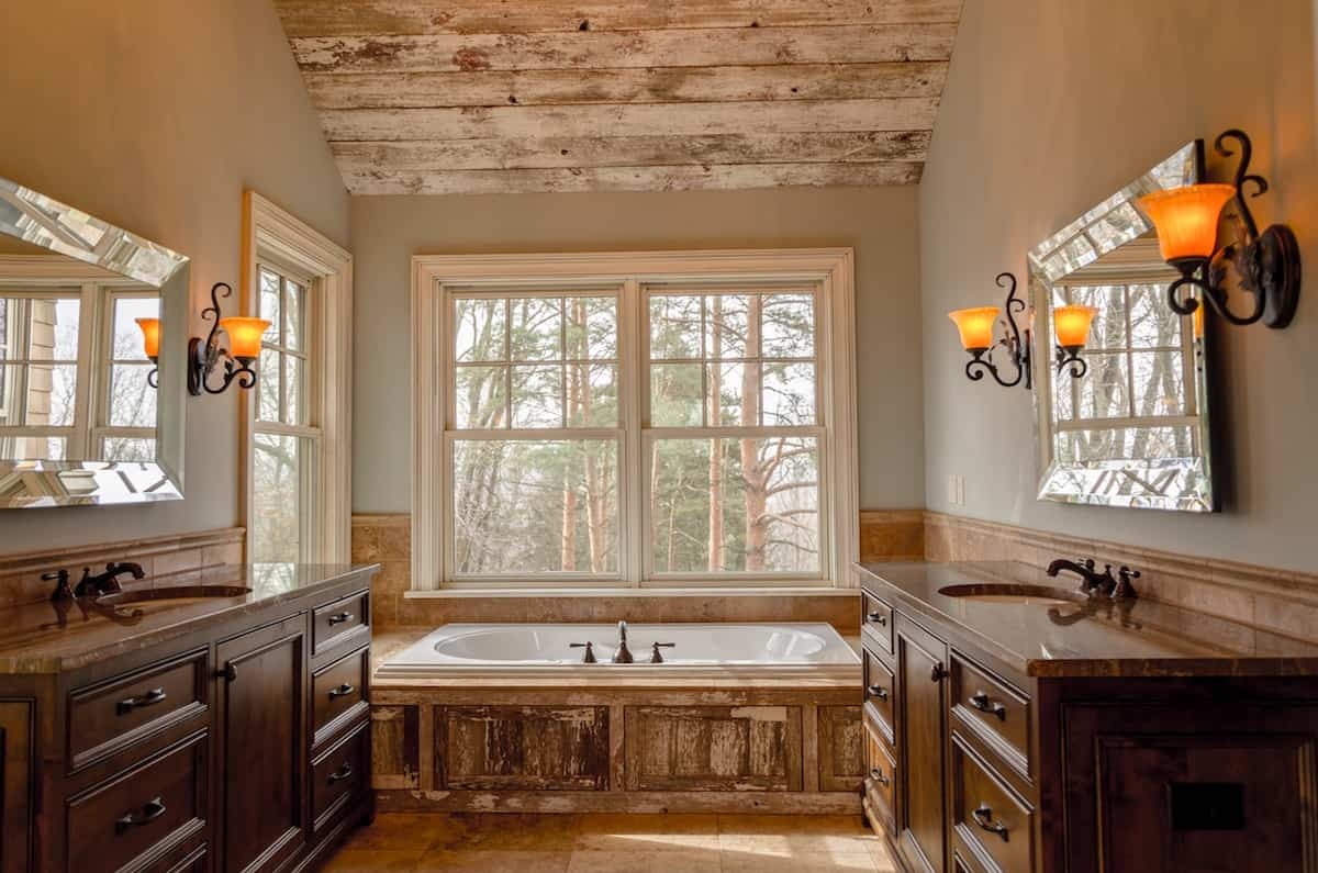 Sideboards spaces for the bathroom