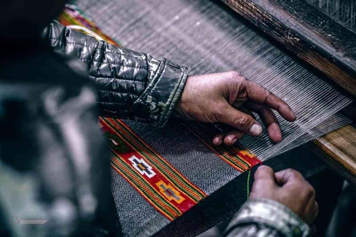 Alfombras en punto de cruz y alfombras hechas a mano
