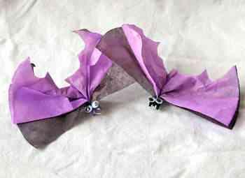 Murciélago hecho con papel