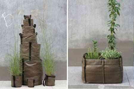 Modernas y ecológicas macetas para las pequeñas terrazas