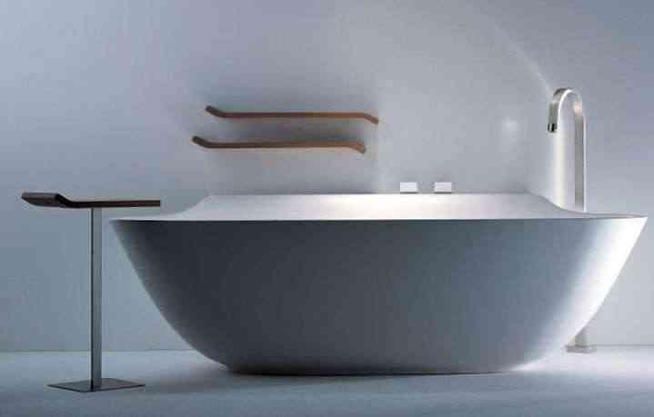 Bañera con estilo e iluminación