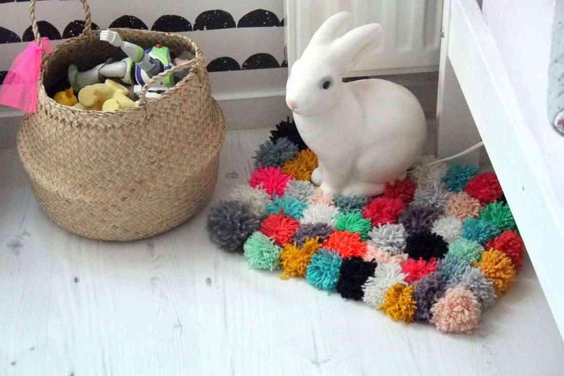 Creando una alfombra de pompones for Precio de las alfombras persas