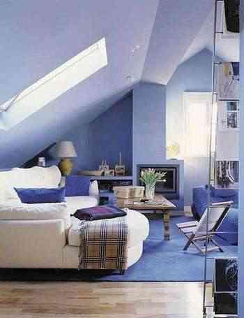 podemos elegir muebles de dimensiones reducidas ya que los techos son bajos evitar las lmparas colgantes e por luces directas centradas