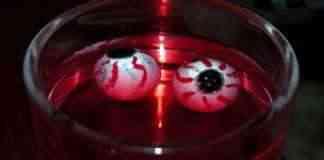 Ojos en un vaso para Halloween