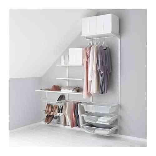 vestidor de IKEA -algot-riel-susp-baldas-percha-pantal-blanco