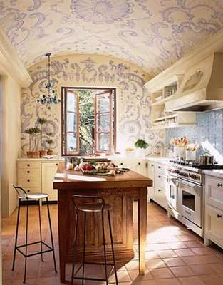 azulejos+blancos+y+azules+en+pared+de+cocina+house+beautiful+via+decorology+2
