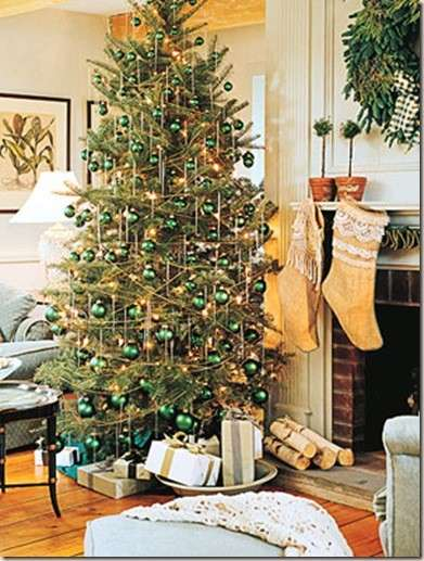decorating-christmas-trees-3jpg