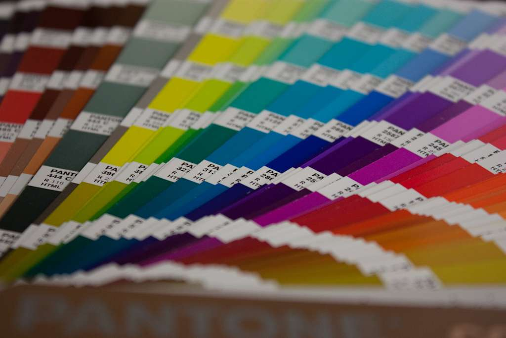 Simulador de ambientes bruguer elige los colores de la casa - Pinturas paredes colores ...