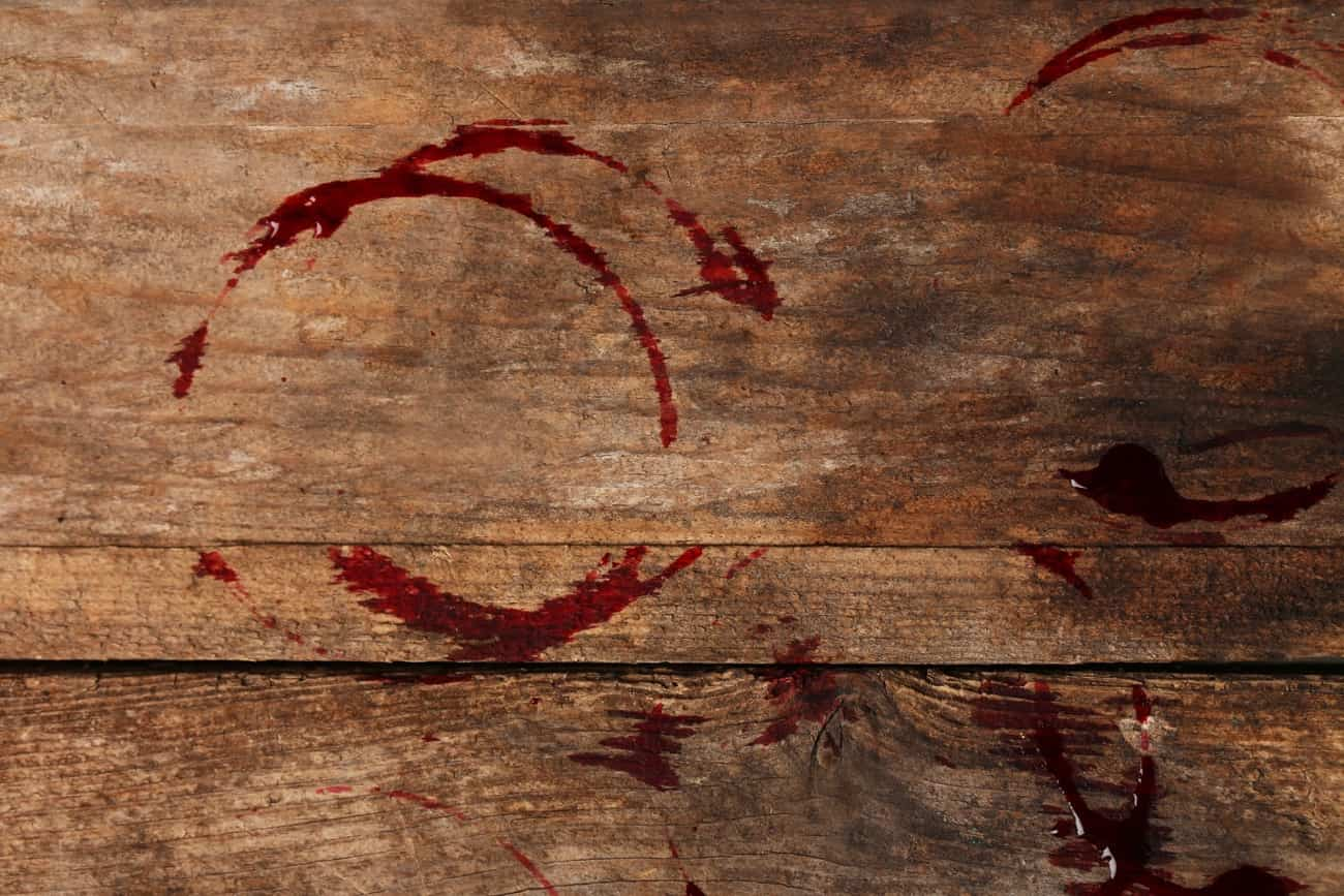 manchas de vino en madera