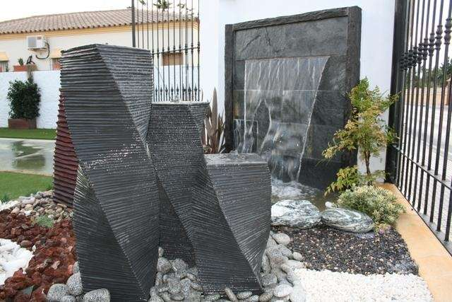 Fuentes de exterior la maravilla de los sentidos - Fuentes de pared modernas ...