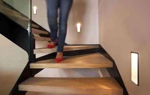Una luz en nuestro camino luminarias de vanguardia para for Luces en escaleras
