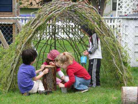 Decoración: hacer una casita de ramas de sauce
