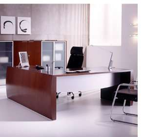 Decora tu oficina para que aparente ser más amplia