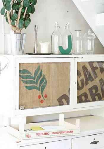 mueble con arpillera