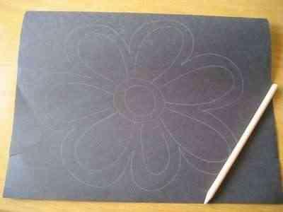 Flores de papel para decorar las ventanas 1