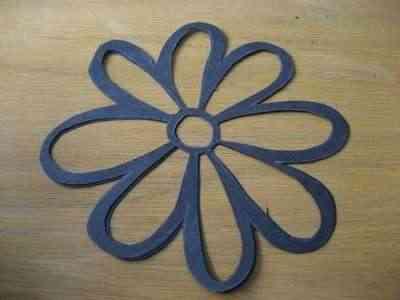 Flores de papel para decorar las ventanas 2