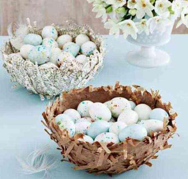 cesta de papel para huevos de pascua
