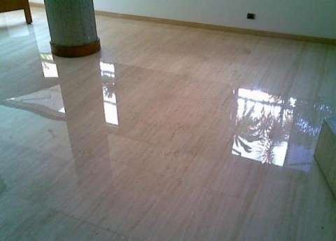 Floor coverings with ceramics