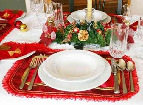 haga una limpieza de las piezas de decoracin de navidad y elimine aquellas con las cuales ya no se identifica as como aquellas que ya estn un poco