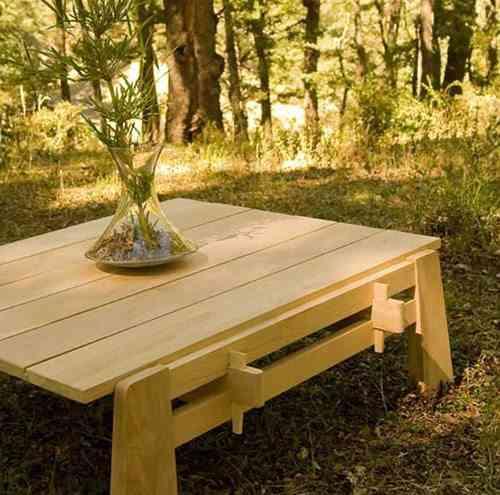 mesa baja de madera