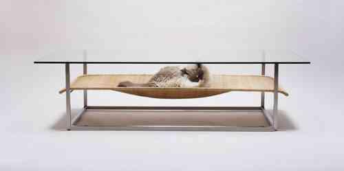 mesa con espacio para gato