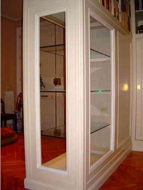 armario convertido en cristalera por MK ebanisteria