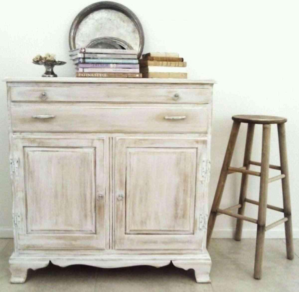Patinar la madera qu es c mo se hace y c mo queda for Pintar puertas de madera viejas