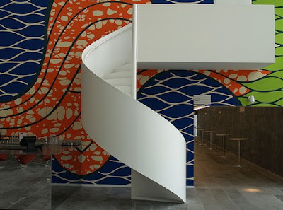 Decorar con escaleras de caracol for Decorar escalera caracol