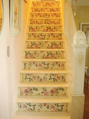 decorar escaleras vintage