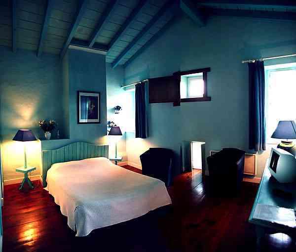 Dormitorio r stico en color azul - Habitaciones infantiles azules ...