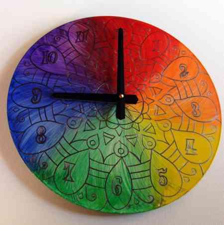 Reciclar vinilo en reloj psicodelico