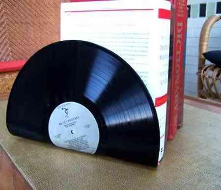 Reciclar vinilo en sujeta libros