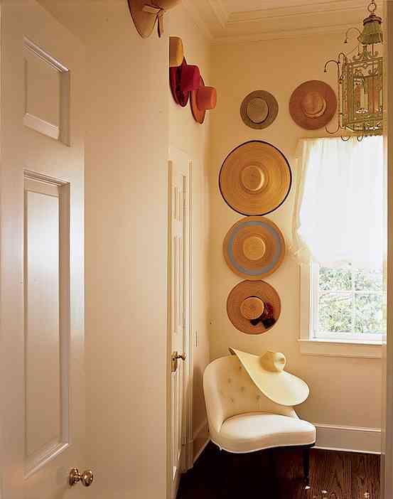 decorar con sombreros - pared y sombreros