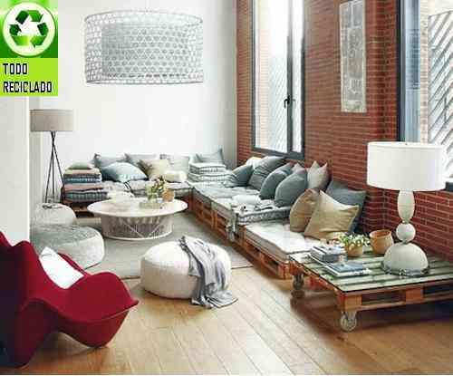 Sal n decorado con reciclaje de pal s for Decoracion reciclaje interiores