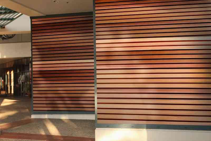 C mo limpiar paredes de madera - Como decorar una pared con madera ...