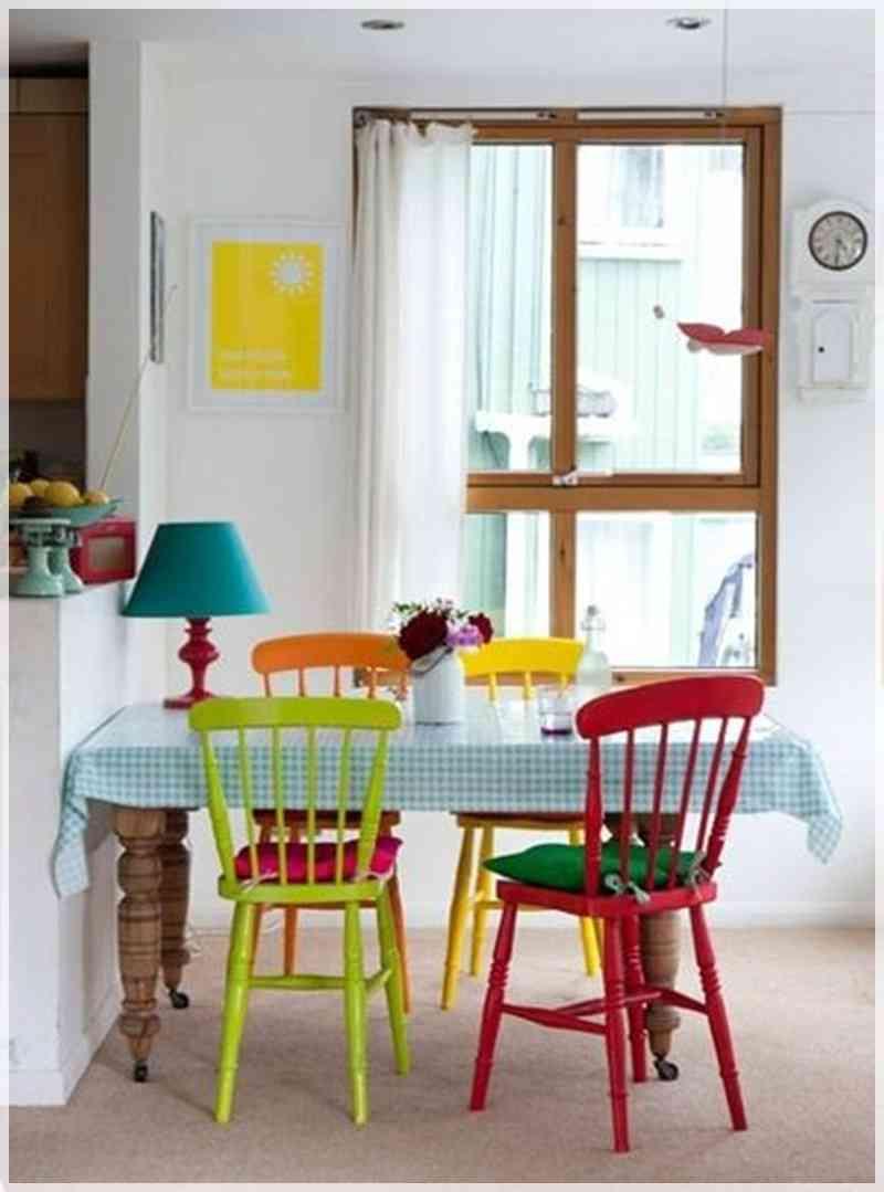 Decorar con sillas de colores