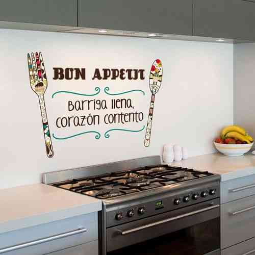 Decorar una pared con letras y vinilos for Ideas cocina rapida