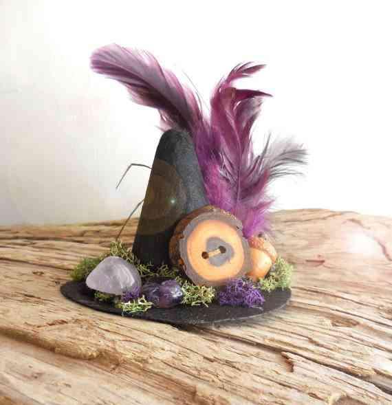 sombreo de bruja como centro de mesa