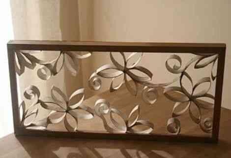 Un cuadro con flores de cart n reciclado - Como decorar un cuadro ...