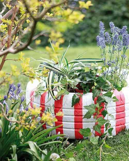 neumático como jardinera de flores