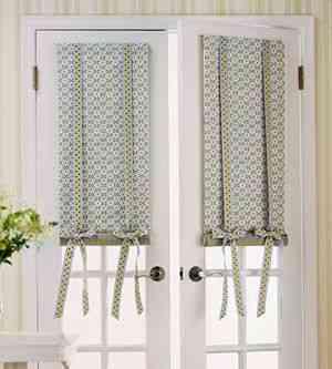Estilos de cortinas para la cocina te gustar n for Cortinas para puertas de cocina