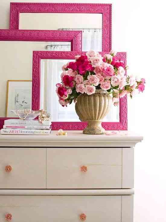 elegir cuadros para decorar- cuadros sobre mesas
