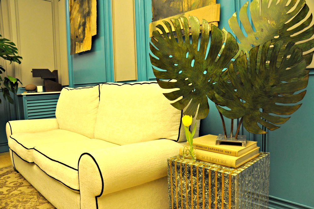 decoracion salon azul y amarillo.jpg