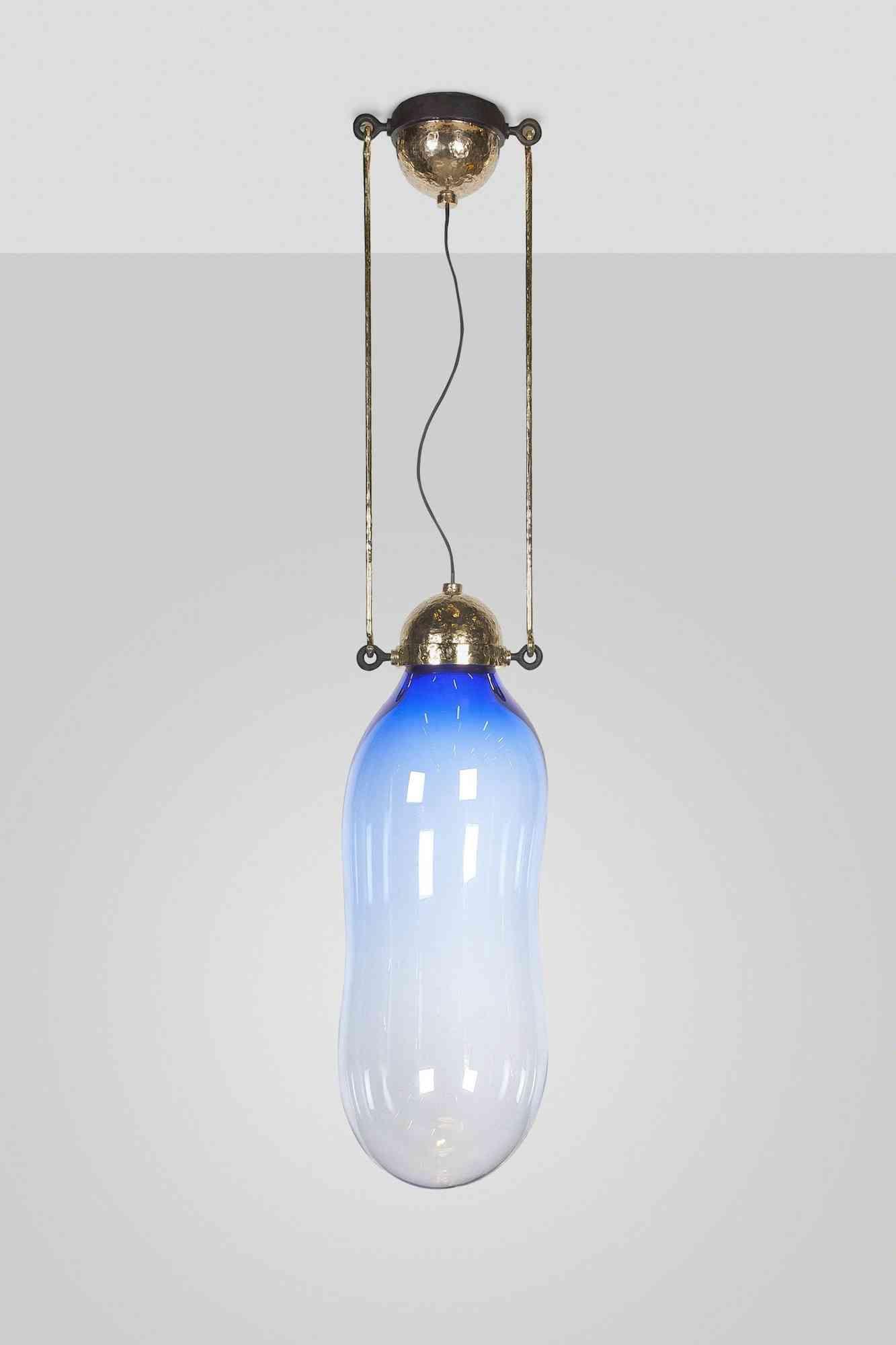 Lámparas inspiradas en pompas de jabón azul