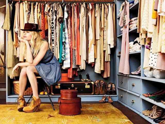 ropa ordenada armario
