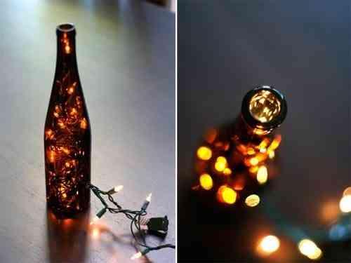lámpara hecha con una botella de cristal