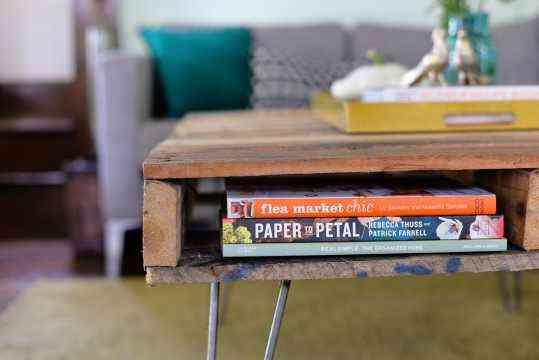 mesa hecha con un palet