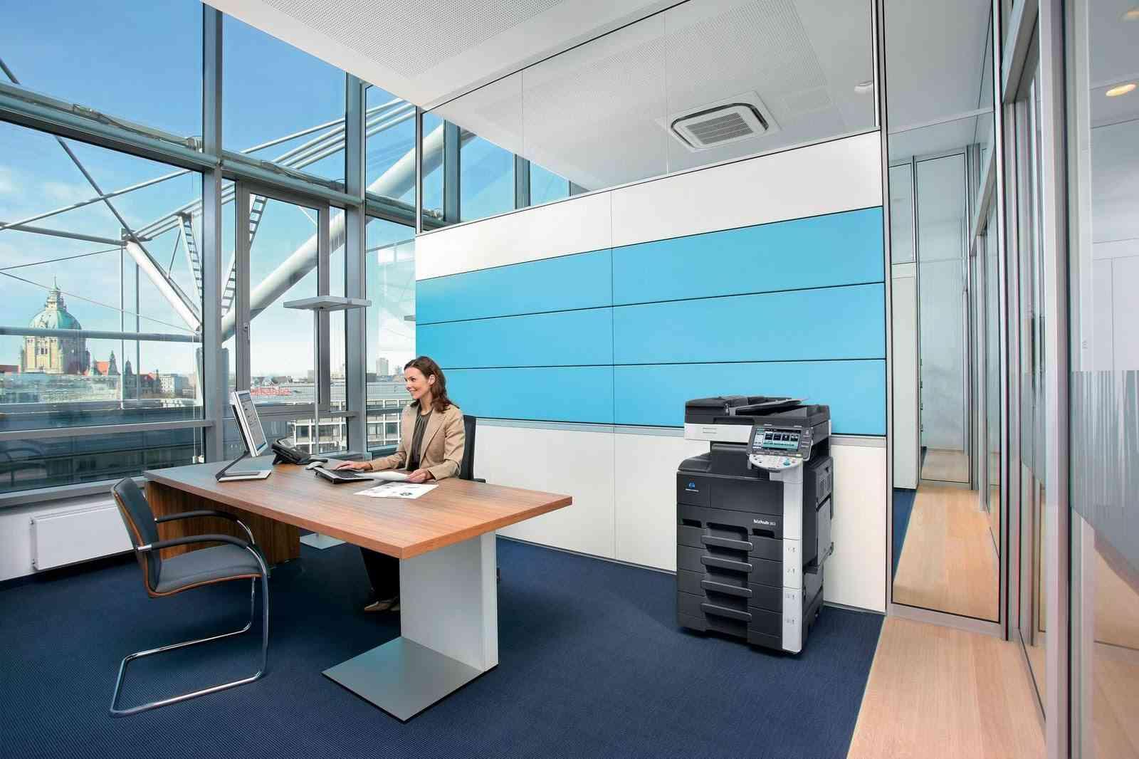Consigue una oficina con estilo moderno for Fotos de oficinas modernas