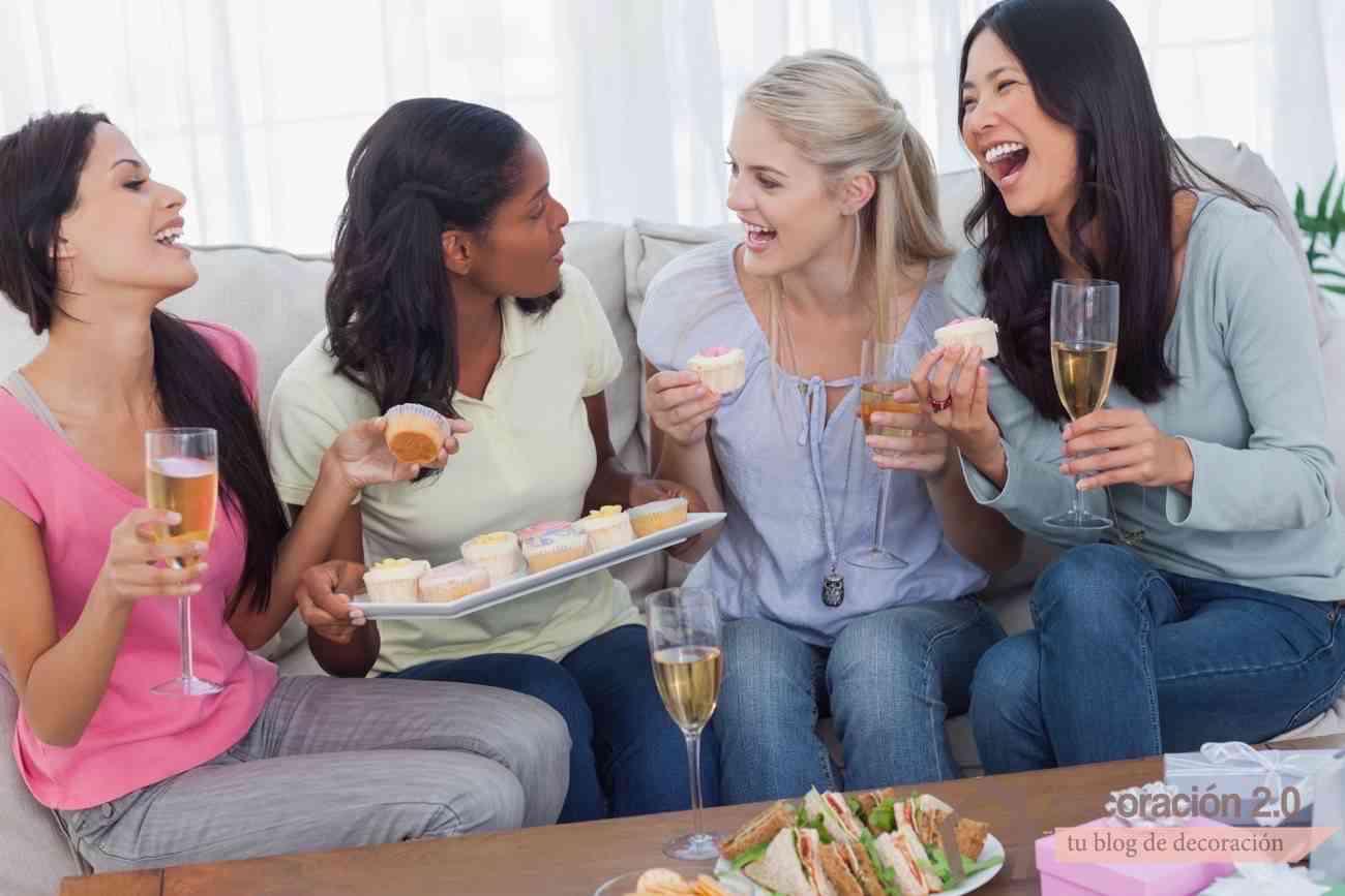 reunión de amigas en casa